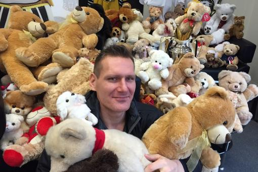 Fans to get teddy bear toss reminders this weekend
