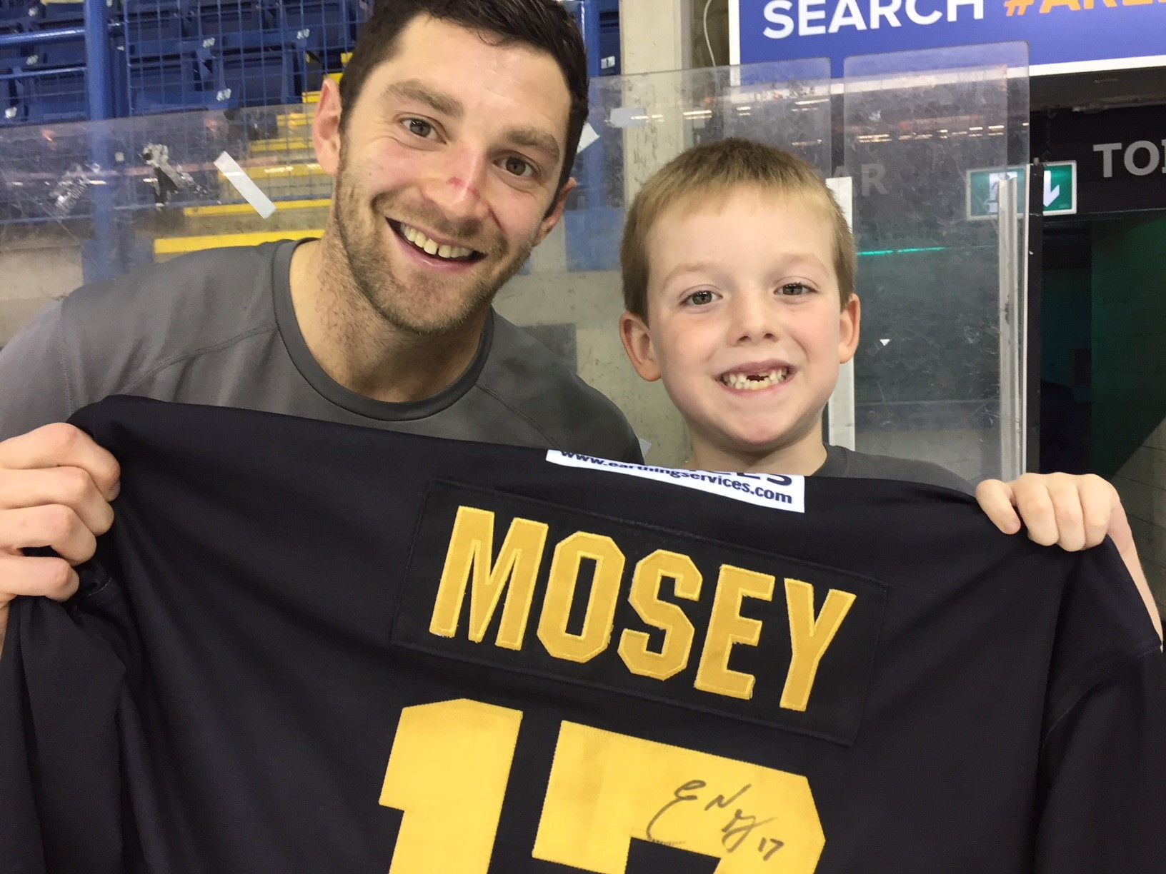 Young Panthers fan wins Mosey's jersey Top Image