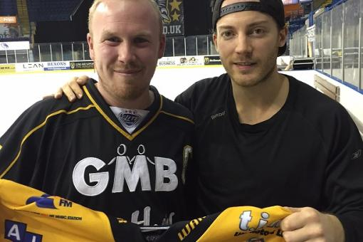Fan Chris wins Erik Lindhagen's game worn shirt from Storm win