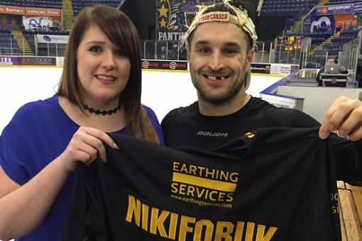 Rhiannon wins Niki's shirt in Saturday raffle