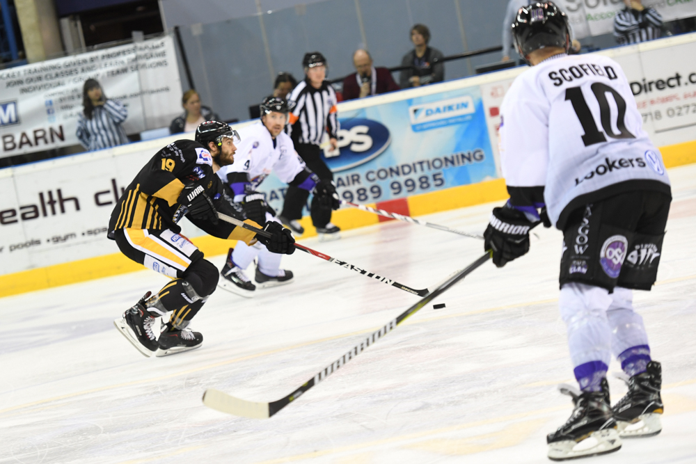 The Nottingham Panthers vs Glasgow Clan: New Name Old Rivalry Top Image